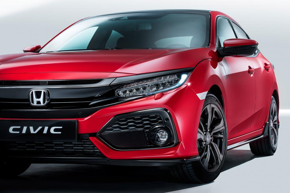 2017-Honda-Civic-hatchback-paris-Debut-5