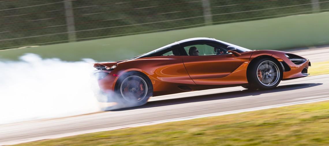 McLaren 720S 01