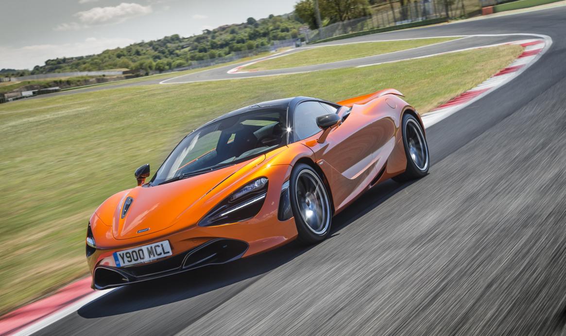 McLaren 720S 24