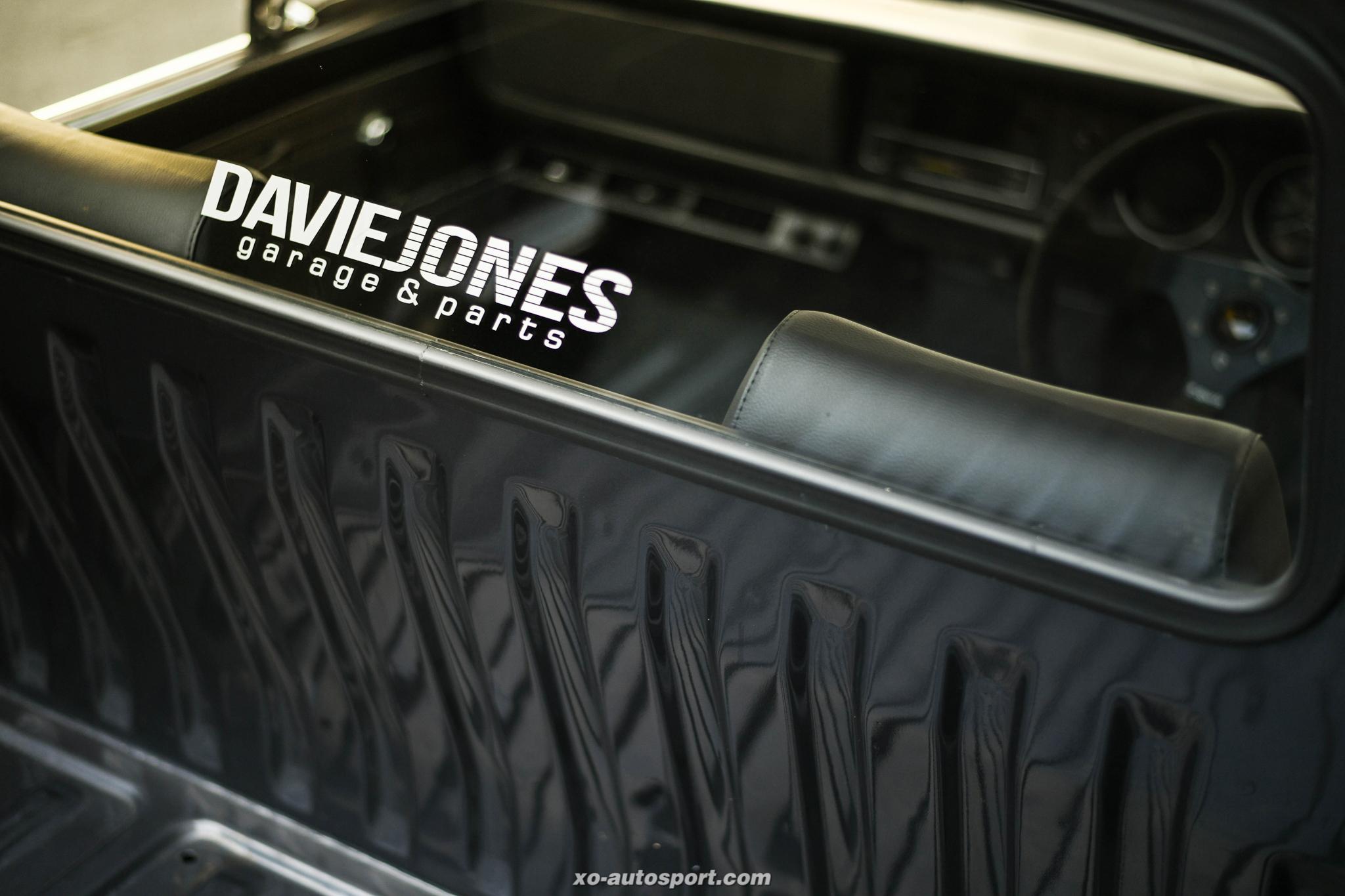 HAKOTORA DAVIE JONES Garage 13