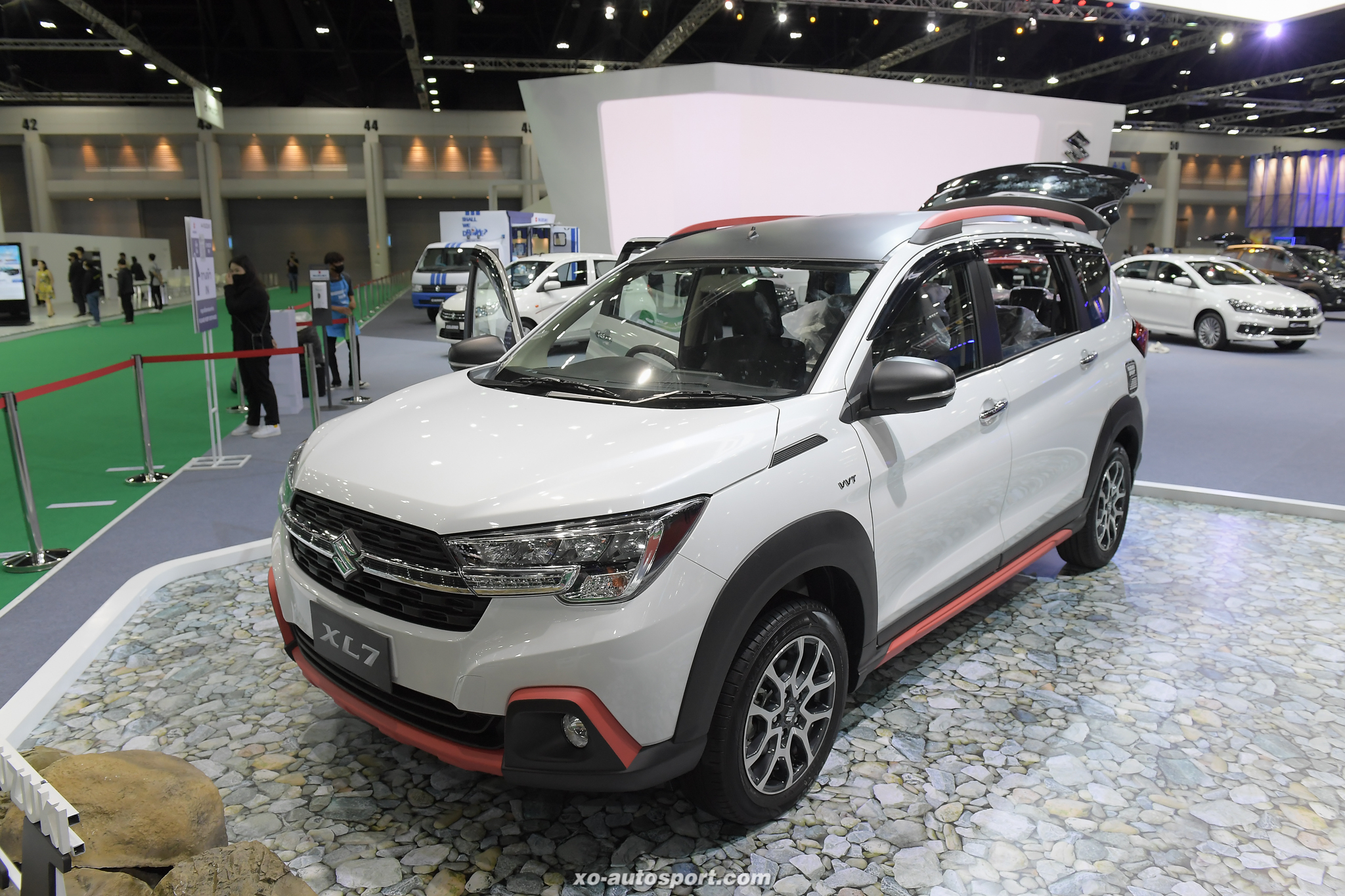 15 Suzuki XL7