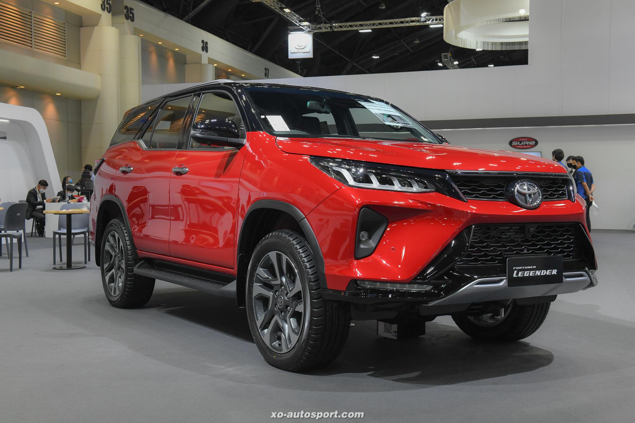 17 Toyota Fortuner Legender