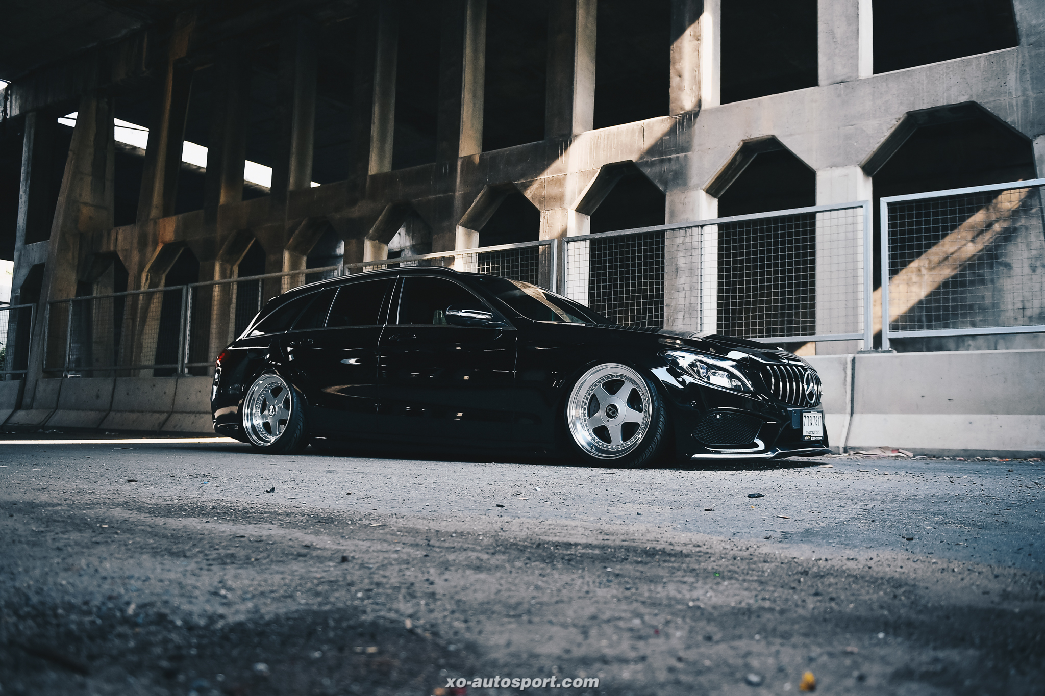 W 205 – ONLY LOW 63_05 XO Benz Stance-58