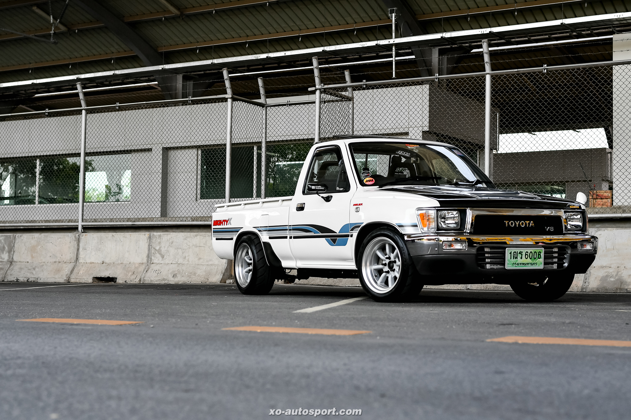 Short base truck 21